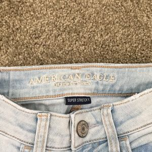 American Eagle Outfitters Jeans - Light ripped jeans
